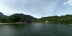 湯ノ湖(ボートの上から)