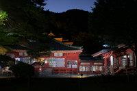 華厳の滝ライトアップ時間中、中禅寺夜間拝観無料! 朱印所開設してます。